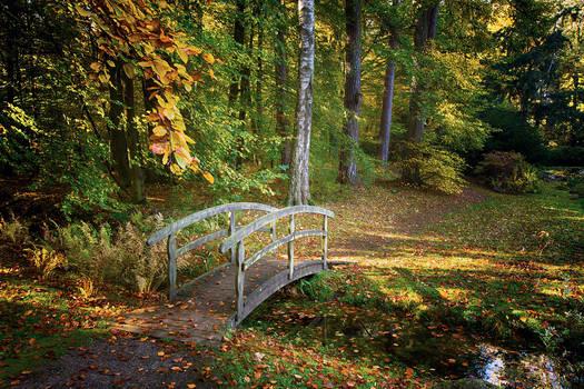 A bridge for romantics and lovers
