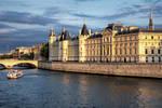 Sunset over Paris 13 - Conciergerie