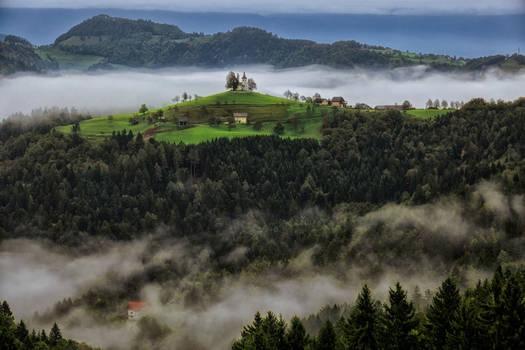 Sveti Tomaz 4 in mist,Slovenia