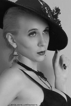 Femme Noir Detail