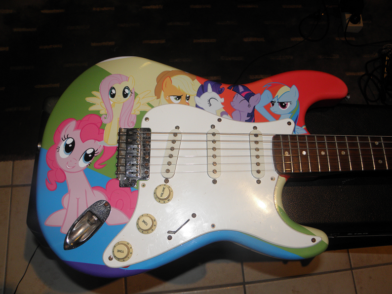 Brony Guitar by fishy009er