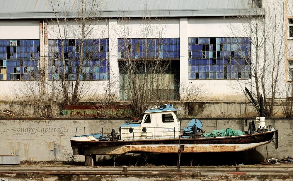 Dry Dock by ondrejZapletal