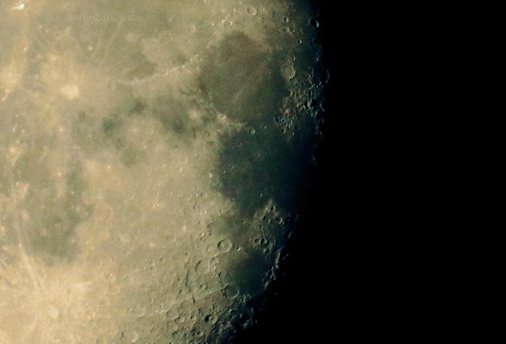 Moon for Everyone by ondrejZapletal