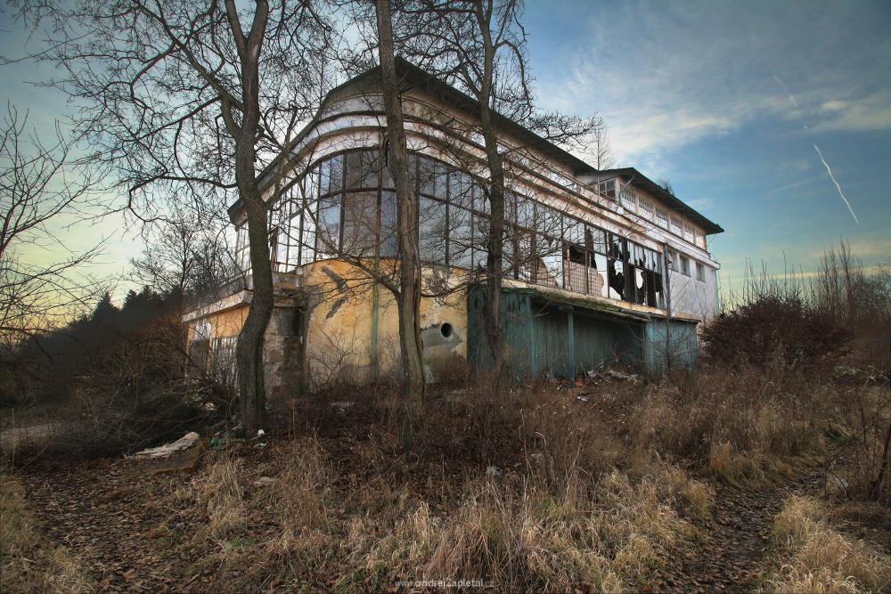 Dead Place by ondrejZapletal