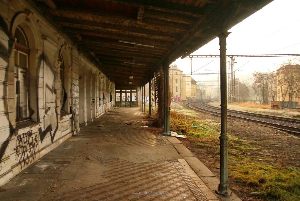 Platform One by ondrejZapletal