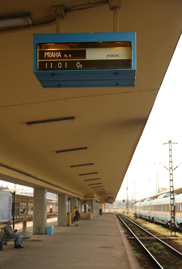 Train to Main Station by ondrejZapletal