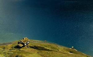 House by a Lake by ondrejZapletal