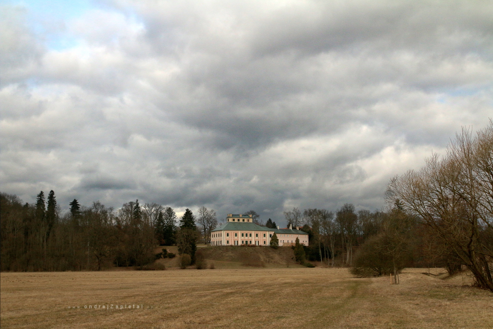 Clouds over Mansion by ondrejZapletal