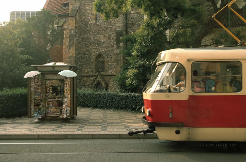Tram Incoming by ondrejZapletal