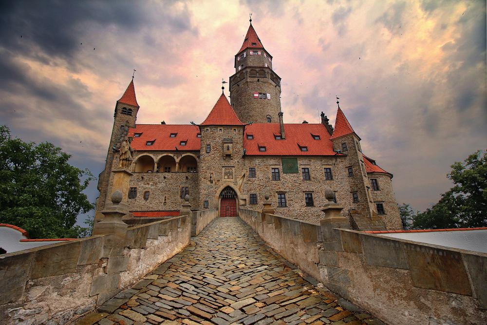 Bouzov Castle by ondrejZapletal