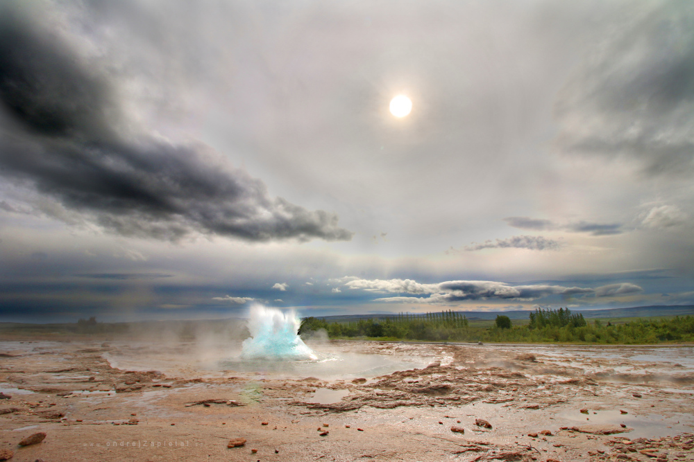 Beginning of an Eruption by ondrejZapletal