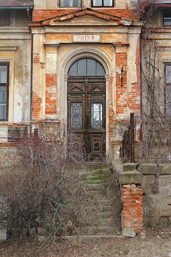 Overgrown School by ondrejZapletal