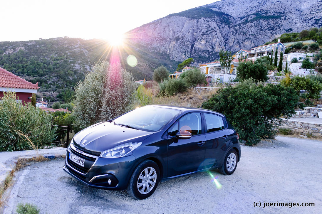 Peugeot 208 by joerimages