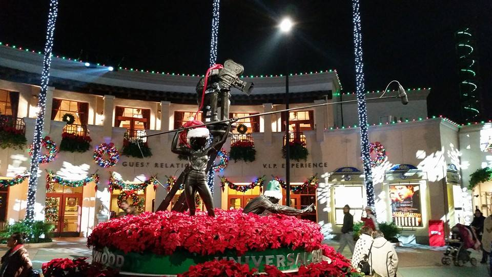 Statue in Universal Studios by DarkAngelLover1