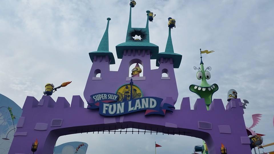 Super Silly Fun Land at Universal Studios by DarkAngelLover1
