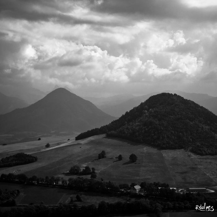 Two hill in the storm by rdalpes