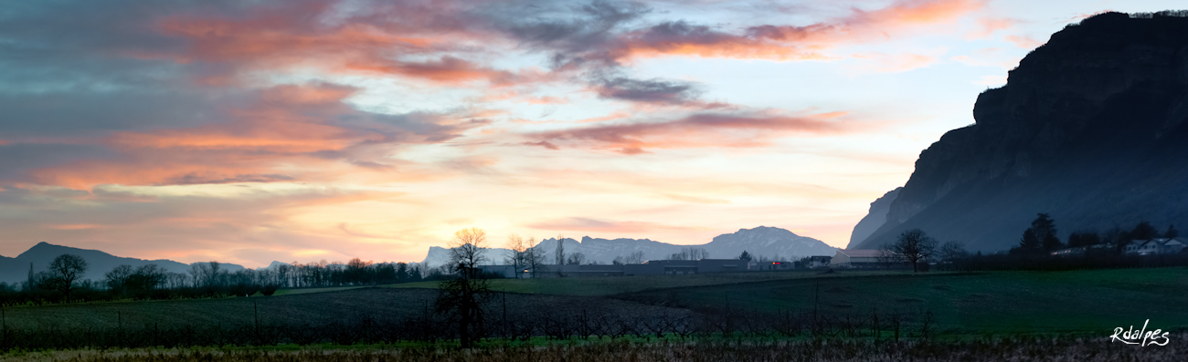 last sky of 2012 by rdalpes
