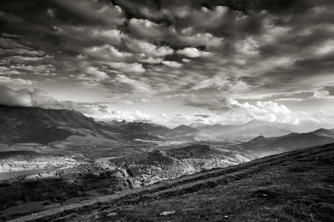 Clouds over the hills by rdalpes
