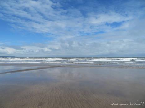 SKY SEA SAND