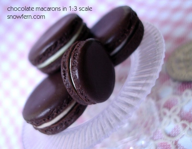 chocolate macarons by Snowfern