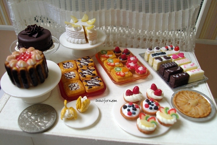 1:12 cakes and tarts w scale by Snowfern
