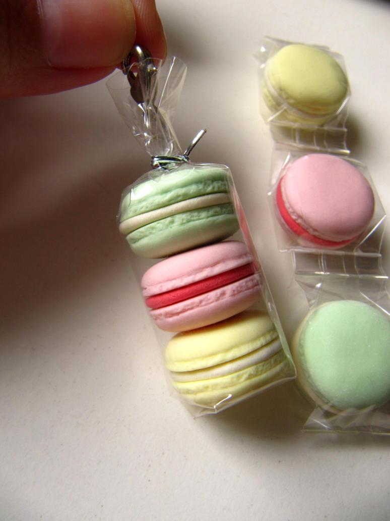 Macaron charm by Snowfern