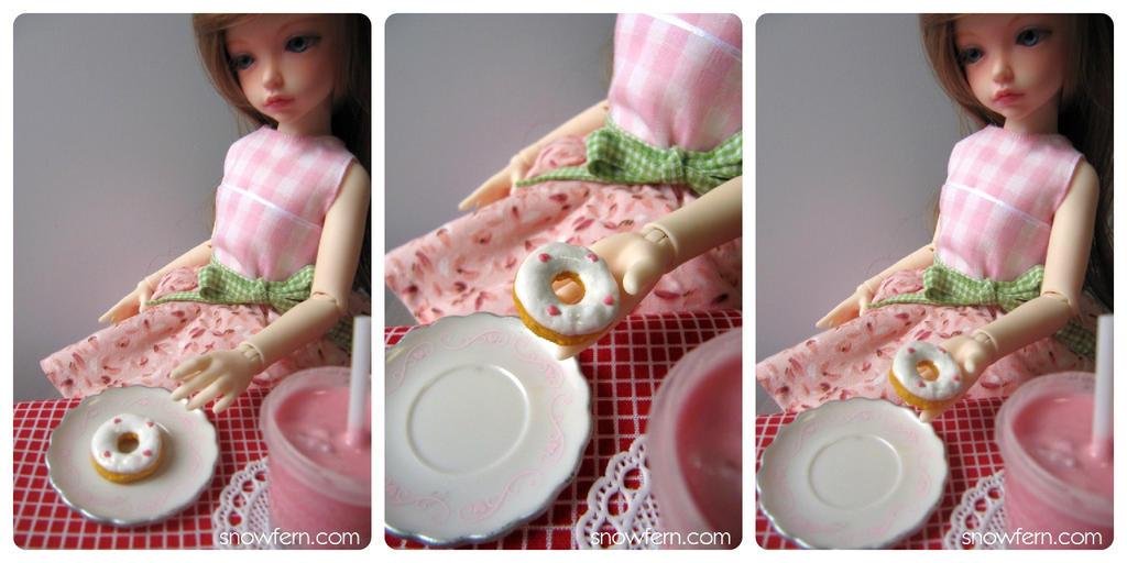 1:4 Heart Donut by Snowfern