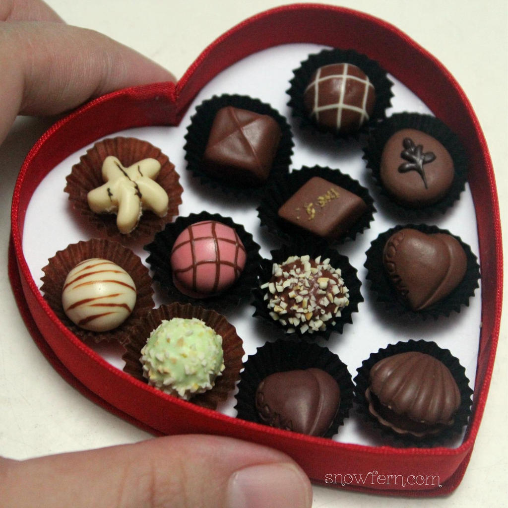 1:3 scale miniature Godiva Chocolate Box by Snowfern