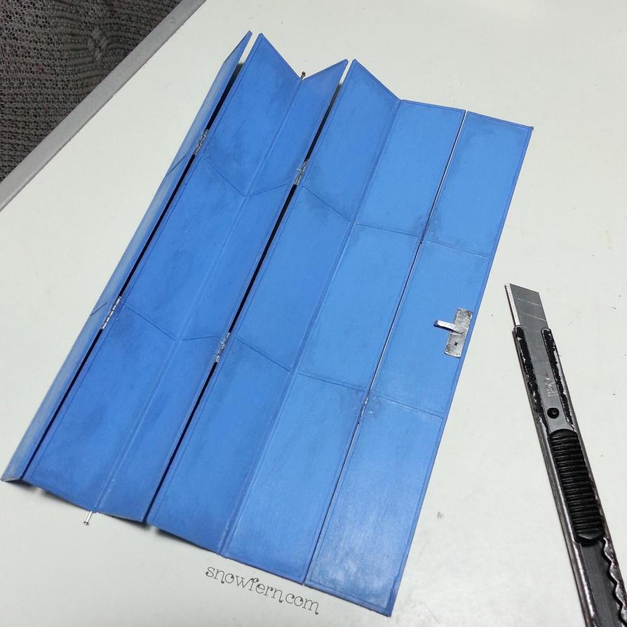 1:12 miniature folding door by Snowfern