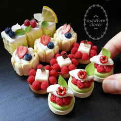1:3 scale miniature cakes and tartlets by Snowfern