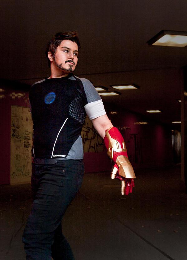 Tony Stark Cosplay - The Mechanic by zahnpasta