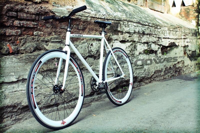 White Fixie Bike By Gowesindonesia