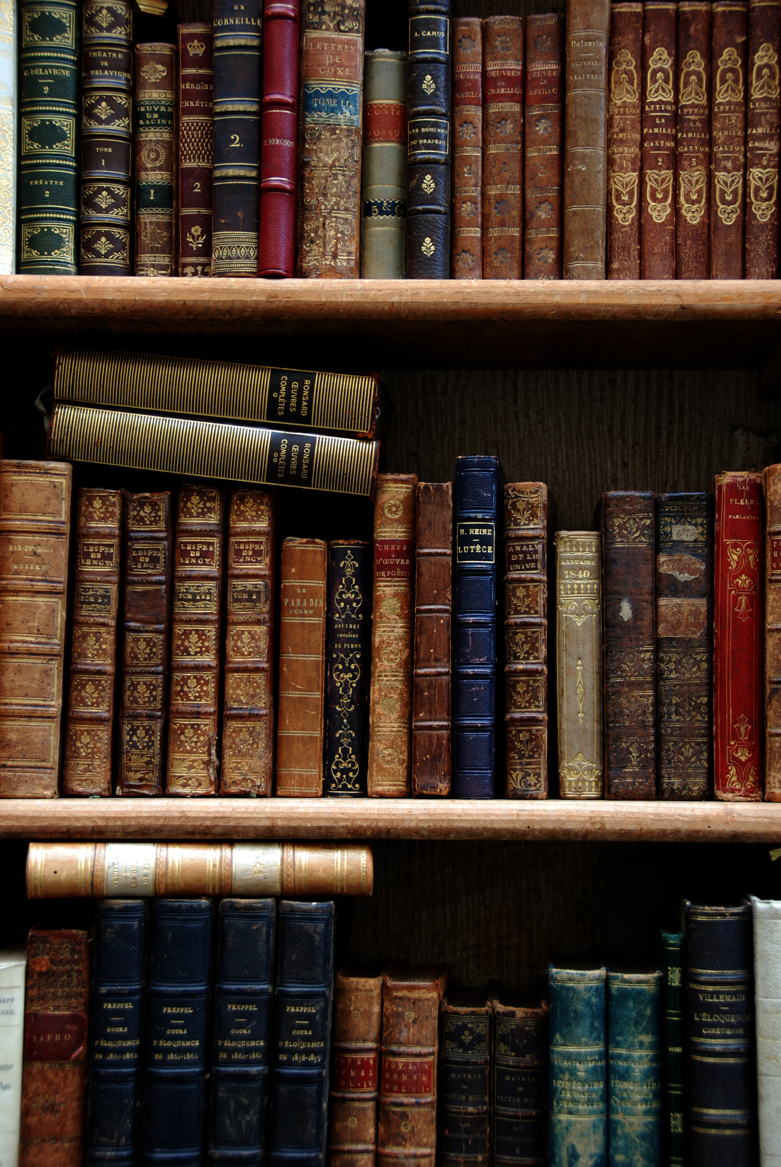 Antique books by bilzow on DeviantArt