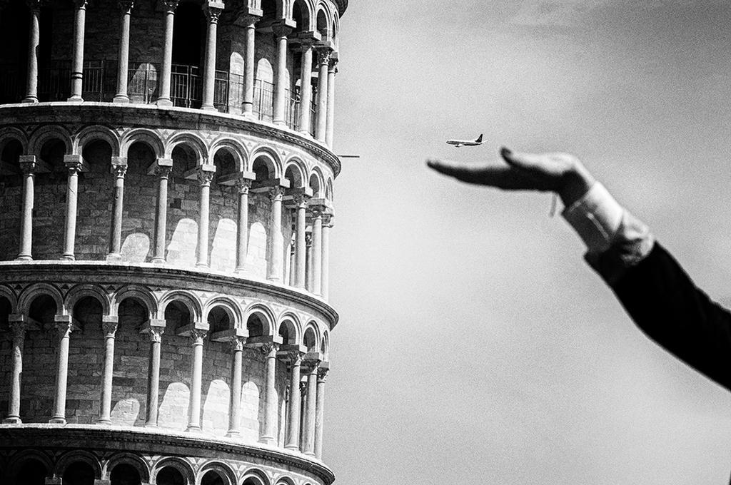 Tower, airplane, hand by mariomencacci