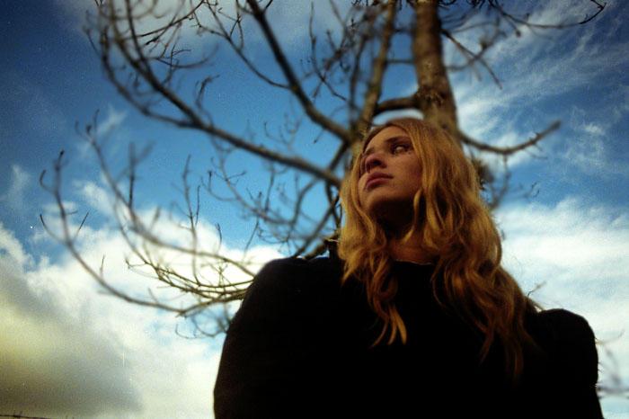 Blond girl at a Mountain by NicoMondrian - sar���n k�z avatarlar�