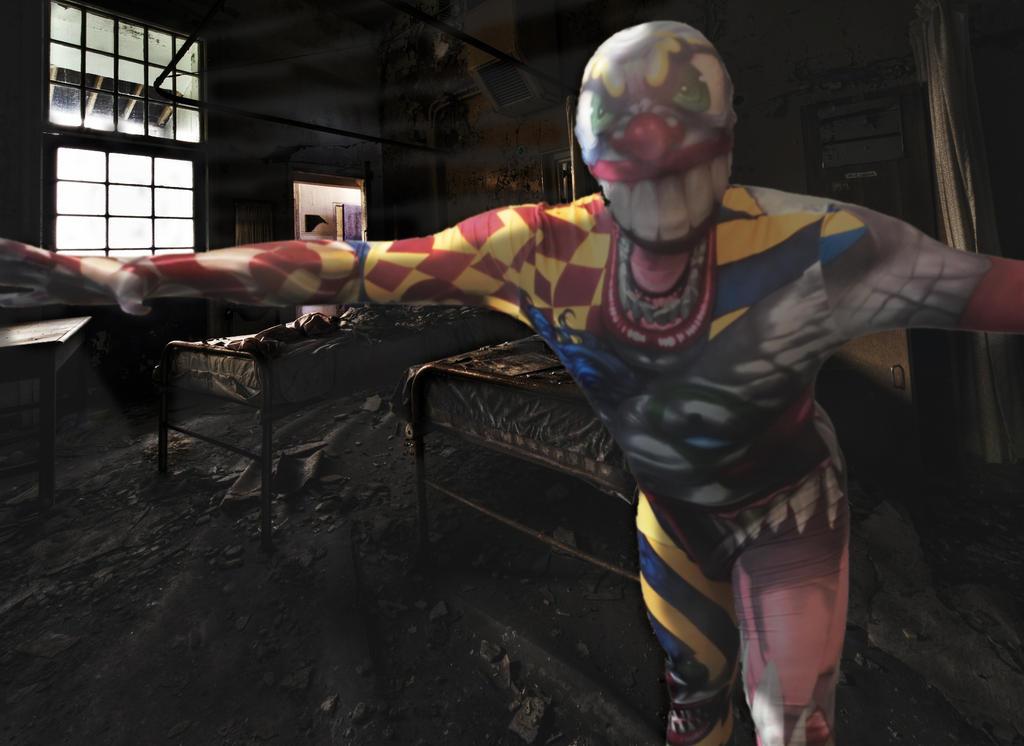 Psycho Clown in Rotten Hospital by JokerX2011