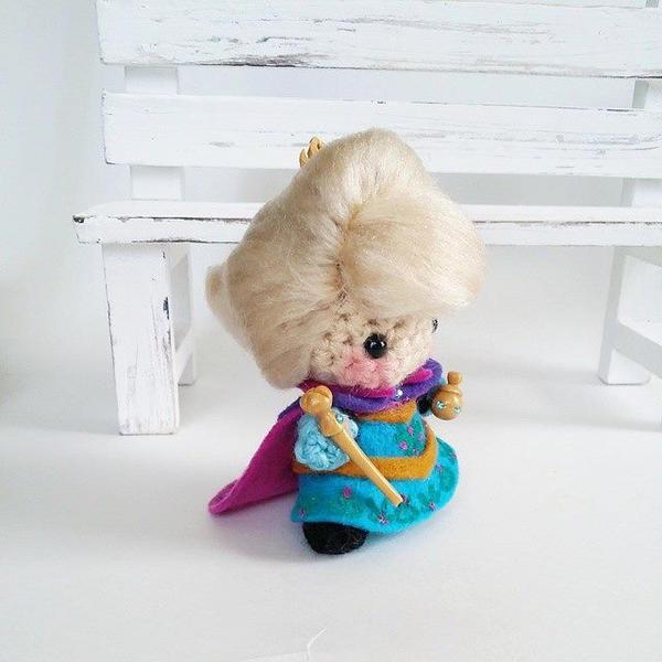 Coronation Elsa Amigurumi by AnyaZoe