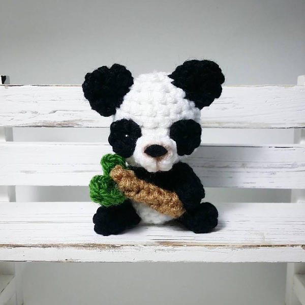 Panda Amigurumi by AnyaZoe on DeviantArt