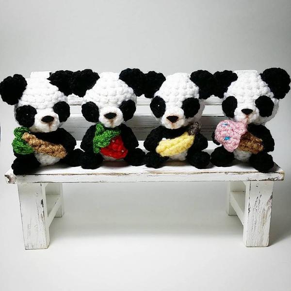 Panda Amigurumi by AnyaZoe on DeviantArt