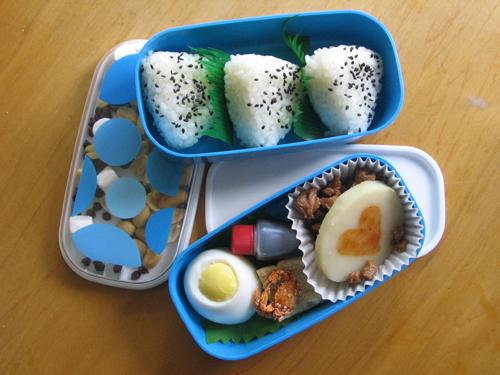 Happy Ballooons Chuu +Recipe by sake-bento