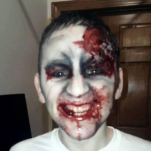 Black n' White Zombie by ZombiesAteMy