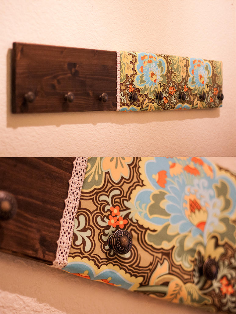 Diy jungle coat rack by mezzochan on deviantart for Cuadros para poner fotos