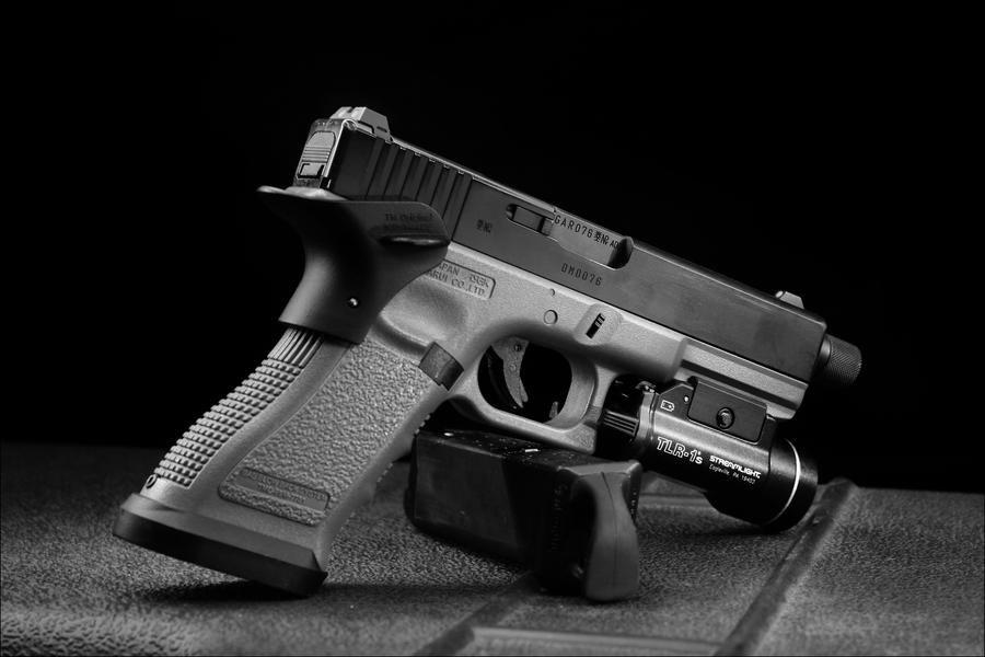 Glock 17 custom by Drake-UK