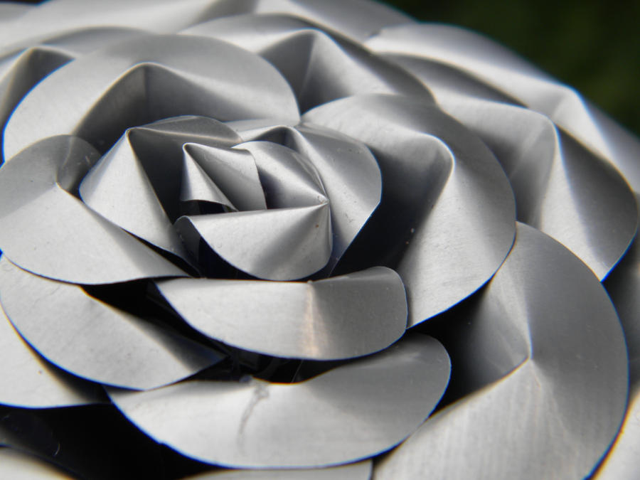Recycled Pop Can Rose-detail by Christine-Eige