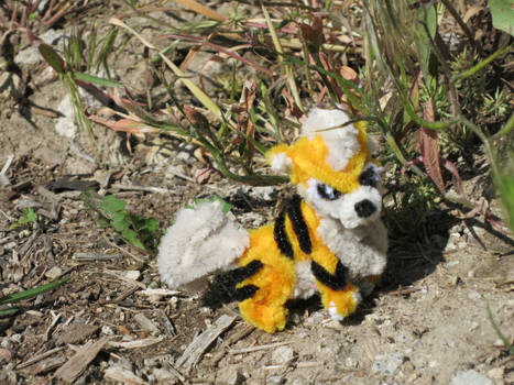Pipe Cleaner Pokemon Growlithe