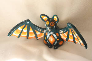 Trippy the ceramic bat by elkerae