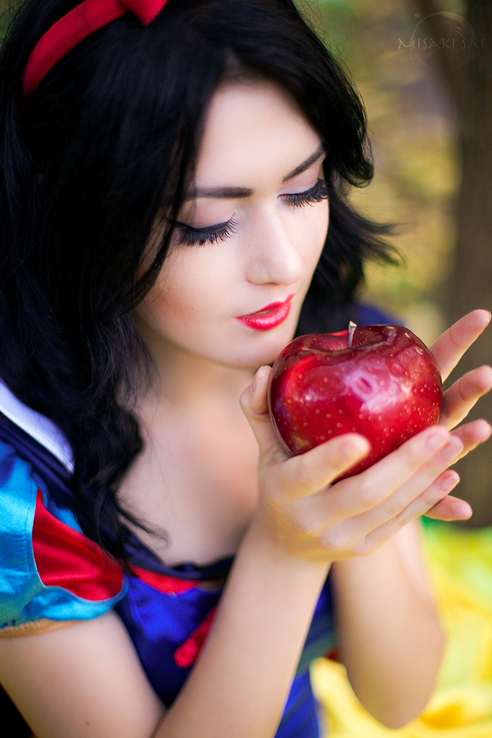 Little srory about Snow White by Misaki-Sai