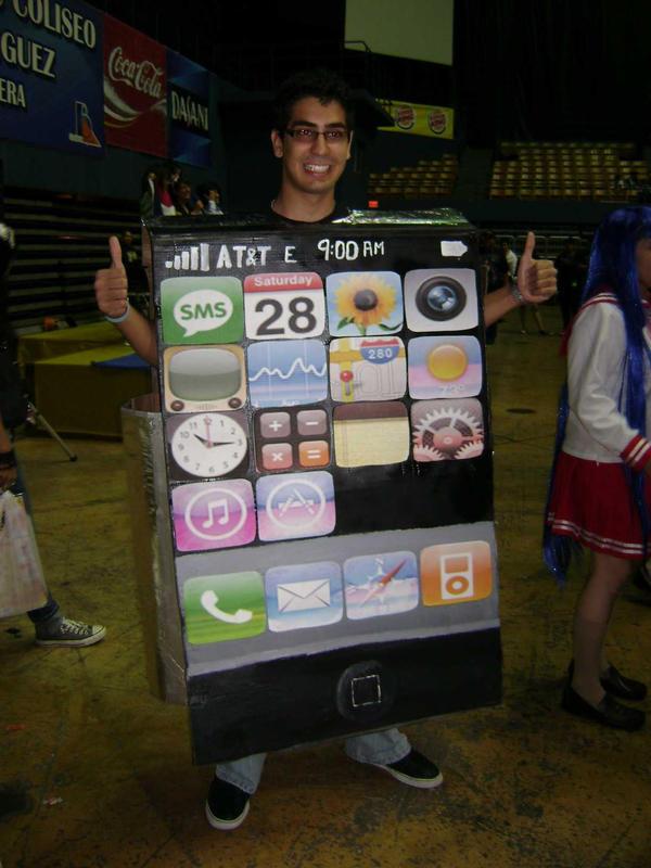 JAPON: Hombre hace cola para comprar la nueva iPhone 6 en cosplay