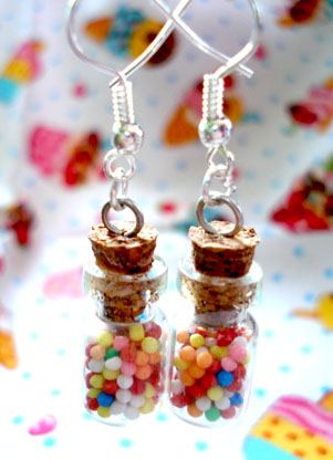http://fc04.deviantart.com/fs25/f/2008/117/b/c/Small_sweetie_jar_earrings_by_geurge.jpg