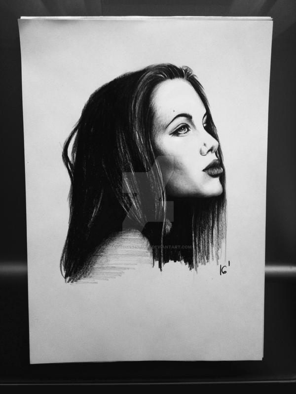 Angelina Jolie by MatyldaSzytula